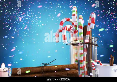 Vaso de bastón de caramelo, canela y la taza de café de navidad decorado con coloridas luces borrosa abstracta para navidad diseño antecedentes,3d ilustración Imagen De Stock