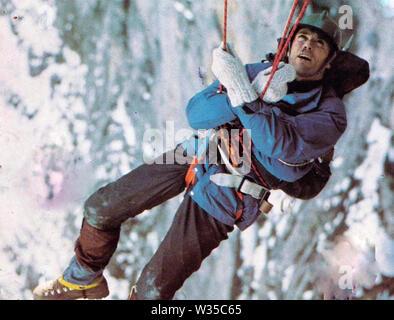 La sanción del Eiger 1975 Universal Pictures Film con Clint Eastwood Imagen De Stock
