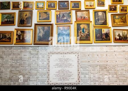 Francia, Bouches du Rhone, Marsella, la catedral de Notre Dame de la Garde basílica, ex voto Imagen De Stock