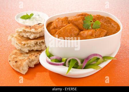 Mantequilla harina de pollo al curry indio Imagen De Stock