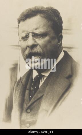 El ex Presidente Theodore Roosevelt hablando, c. (1911-12 BSLOC_2017_8_42) Imagen De Stock