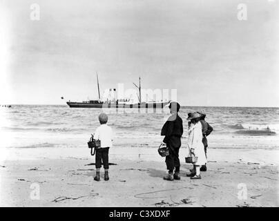 Viendo un placer vaporera, foto, Paul Martin. Jersey, Inglaterra, a finales del siglo XIX. Imagen De Stock
