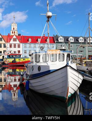 Los barcos en puerto, Tórshavn, Islas Feroe, Dinamarca Imagen De Stock