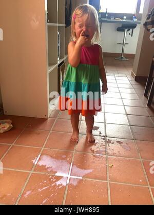 No llorar sobre la leche derramada Imagen De Stock