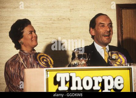 Jeremy Thorpe MP y esposa Marion Thorpe retrato 1979 Devon 1970 UK HOMER SYKES Imagen De Stock