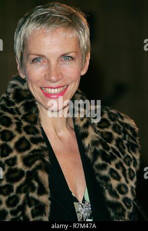 ANNIE LENNOX LA PREMIER DE LA PELÍCULA LAS CRÓNICAS DE NARNIA el Royal Albert Hall de Londres, Inglaterra 07 de diciembre de 2005 Imagen De Stock