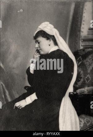 Retrato fotográfico de Beatrice Princesse de Battenberg de colección Félix Potin, de principios del siglo XX. Imagen De Stock