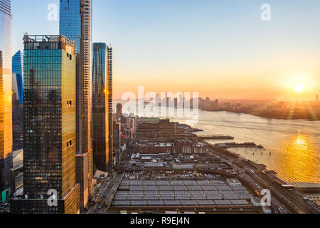 Antena waterfront horizonte de la ciudad de Nueva York Imagen De Stock