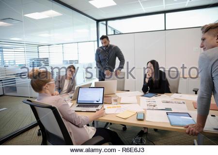La gente de negocios en la sala de reunión de planificación Imagen De Stock