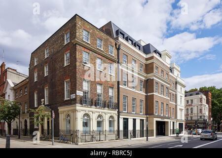 Esquina contextuales de elevación. 8 Bloomsbury, Londres, Reino Unido. Arquitecto: Buckley gris Yeoman, 2017. Imagen De Stock