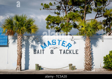 Un clásico double entendre - Master Bait & abordar, pesca supply store en Bonita Springs, Florida, EE.UU. Imagen De Stock