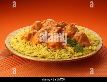 INDIAN mantequilla pollo al curry y el arroz basmati Imagen De Stock