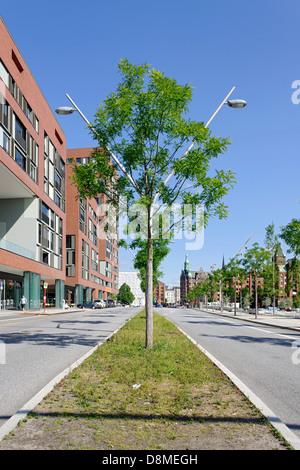 Arquitectura moderna, Osakaallee, HafenCity, Hamburgo, Alemania. Imagen De Stock