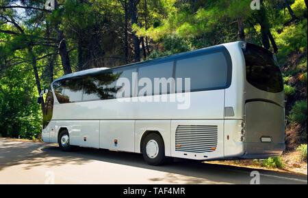 Grecia, la isla de Rodas. autobús turístico en el estacionamiento. Imagen De Stock