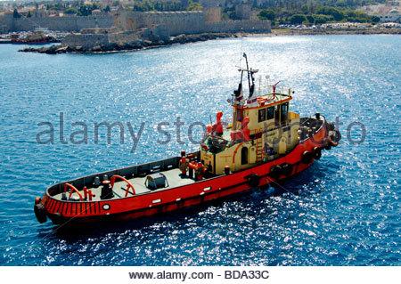 Una barcaza en Rodas, Grecia Imagen De Stock