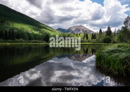 Warner lago, montañas La Sal, Utah, Estados Unidos Imagen De Stock