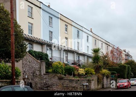 Pintado de casas adosadas en Fremantle Road, Cotham, Bristol Imagen De Stock
