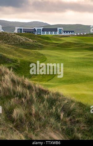 Vista de Machrie Golf Links Golf Course y hotel en Islay. En el interior de islas Hébridas, Escocia, Reino Unido Imagen De Stock