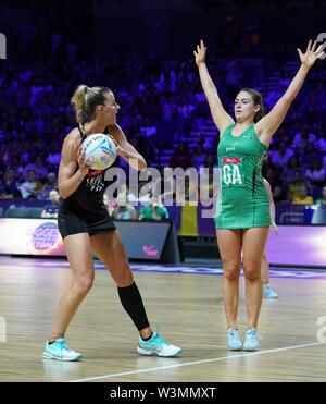 Katrina Rore (NZ) en acción durante la vitalidad Netball World Cup 2019 a M&S Bank Arena, Liverpool, Reino Unido.Nueva Zelandia beat Irlanda: 77-28 Imagen De Stock