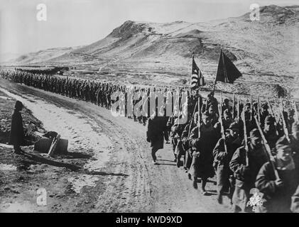 La Fuerza Expedicionaria americana de Siberia, el 31 de Infantería, sobre la marcha en el Lejano Oriente de Imagen De Stock