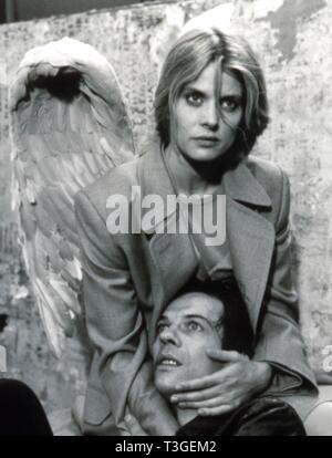 En weiter Ferne, así nah tan lejos, tan cerca Año : 1993 Alemania Director: Wim Wenders Natasha Kinski, Martin Olbertz Imagen De Stock