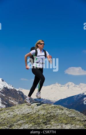 Emparejador girando en la cima del mundo Imagen De Stock