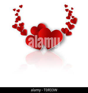 Corazón rojo sobre fondo blanco con reflejo en la sombra. Volumétrica y elegante. El Día de San Valentín Imagen De Stock