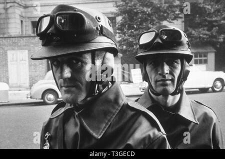 1984 Año: 1956 Director: Michael Anderson británico Michael Redgrave, Ronan O'Casey Imagen De Stock