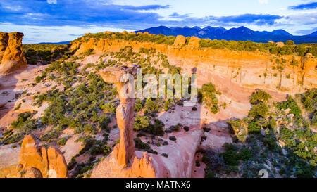 """Elvis"""", hoodoo martillo cerca de Moab, Utah, cerca de montañas La Sal, arena Pisos Zona de recreo Imagen De Stock"""