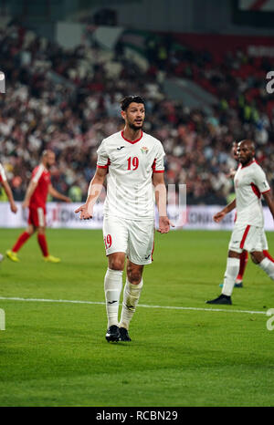 Enero 15, 2019 : Anas Bani Yaseen de Jordania en Palestina v Jordania en el estadio Mohammed Bin Zayed, en Abu Dhabi, Emiratos Árabes Unidos, AFC Copa Asiática, campeonato de fútbol asiático. Ulrik Pedersen/CSM. Imagen De Stock