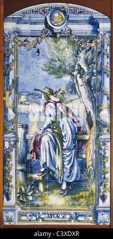 Agosto panel de mosaico, por Sir Edward Poynter. Gran Bretaña, 1866. Imagen De Stock