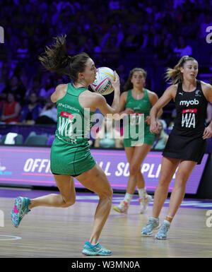 Milagros de tóner (IRL) en acción durante la vitalidad Netball World Cup 2019 a M&S Bank Arena, Liverpool, Reino Unido.Nueva Zelandia beat Irlanda: 77-28 Imagen De Stock