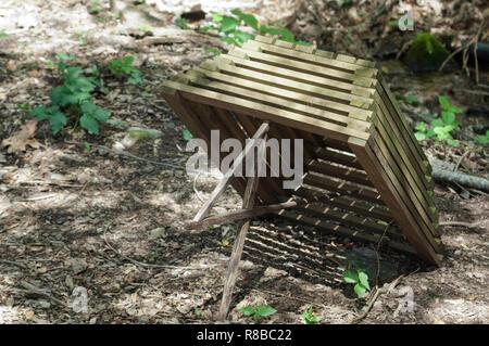 Cherokee pequeño juego trampa, Qualla Reserva, Carolina del Norte. Fotografía Digital. Imagen De Stock