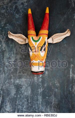 Folclore escultura en madera. Jalakara Villa Hotel, Islas Andamán y Nicoar, India. Arquitecto: Ajith Andagere, 2016. Imagen De Stock