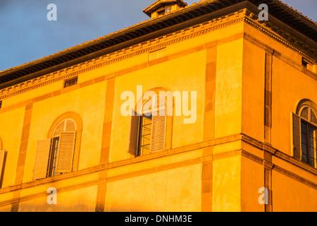 Ángulo de visión baja de un edificio del patrimonio, provincia de Siena, Siena, Toscana, Italia Imagen De Stock