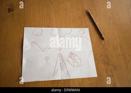 Diez años de dibujo infantil de la carretera que conduce a un hogar feliz. Imagen De Stock