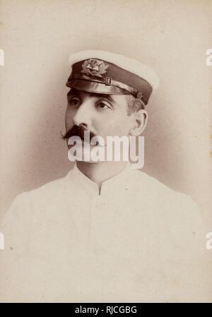 Fotografía del gabinete - Royal Navy Officer estacionado en la India. Imagen De Stock