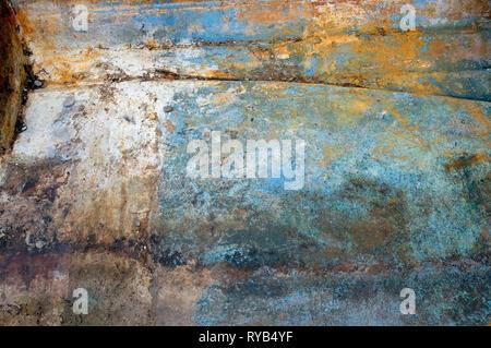 Barco de pesca de suelos erosionados desaliñada Imagen De Stock