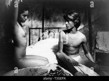 Erendira Año : 1983 México / Francia Director: Ruy Guerra Oliver Wehe, Claudia Ohana Imagen De Stock