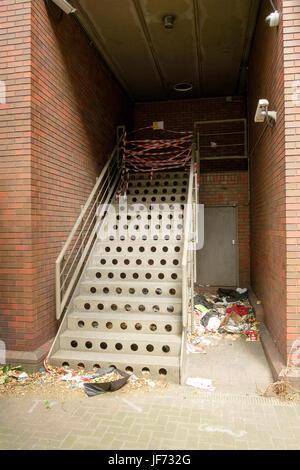 En un sitio debido a la reurbanización de la Royal Mint edificio en Londres, en desuso desde hace muchos años Imagen De Stock