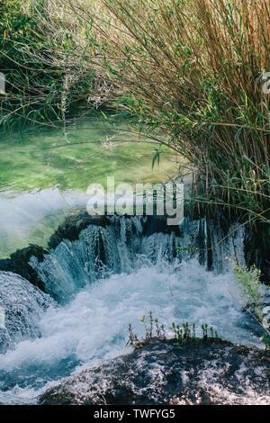 Cerca de una cascada, Croacia Imagen De Stock