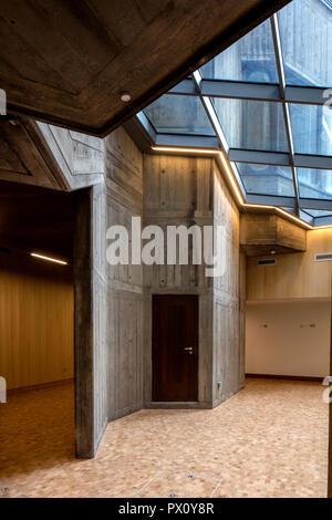 Foyer y claraboya de la restaurada la Queen Elizabeth Hall, South Bank Centre, Londres, Reino Unido. Imagen De Stock