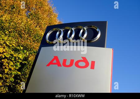 Audi firmar fuera de concesionario, Cambridge, Inglaterra. Imagen De Stock