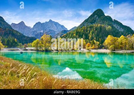 Jasna lago, el Parque Nacional de Triglav, Jasna Lago, Alpes Julianos, Eslovenia, Eslovenia Imagen De Stock