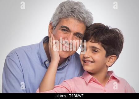 Retrato de abuelo y nieto Imagen De Stock