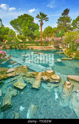 Pamukkale - Cleopatra piscina, Turquía Imagen De Stock