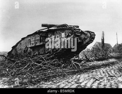 9 1917 11 20 A2 1 E batalla de tanques en Cambrai tanque inglés Primera Guerra Mundial frente occidental batalla Imagen De Stock