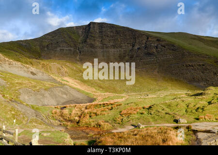 Mam Tor o el temblor mountain Derbyshire Peak District, Reino Unido. Imagen De Stock