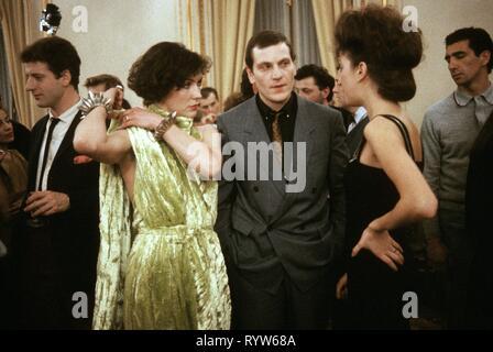 Les Nuits de la pleine lune Año: 1984 - Francia Virginie, Tchéky Karyo Thévenet, Pascale Ogier Director : Eric Rohmer Imagen De Stock