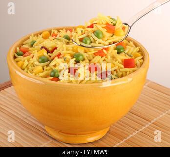 Cuchara de arroz basmati con limón Imagen De Stock